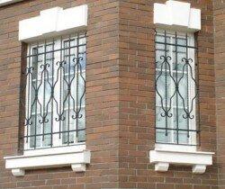 решетки с устанвокой на окна в коттедже